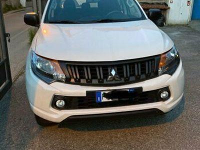 usata Mitsubishi L200 2.4 DI-D/154CV 2WD Double Cab Invit