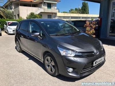 brugt Toyota Avensis Verso 1.6 D-4D Style 7 posti Fano