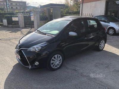 usata Toyota Yaris Hybrid -TELECAMERA - AUTOMA