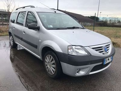 usata Dacia Logan MCV 1.6 GPL 5 posti Lauréate