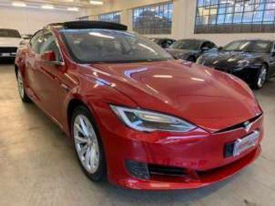 usata Tesla Model S 70 Supercharger GRATUITI Elettrica