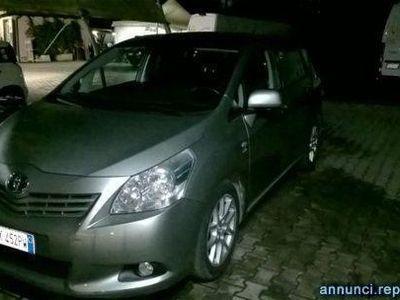 używany Toyota Avensis Verso 2.2 D-Cat 150 CV aut. Luxury Pack 7 posti Roma