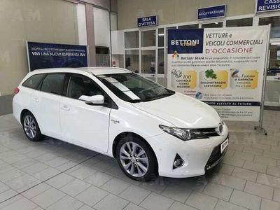 usata Toyota Auris Station Wagon Touring Sports 1.8 Hybrid Lounge del 2019 usata a Costa Volpino
