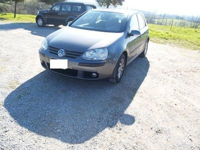 usata VW Golf V serie 1.6 benzina 5 porte