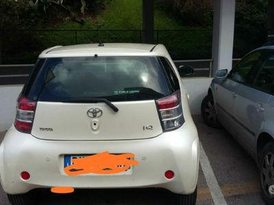 usata Toyota iQ 1.0 con cambio automatico