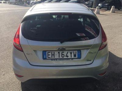 usata Ford Fiesta + 1.4 TDCi 70CV 5 porte