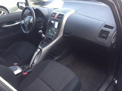 usata Toyota Auris 1.4 D-4D 5 porte Sol