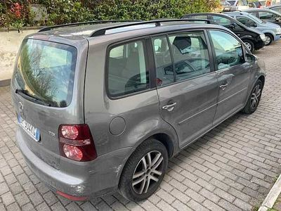 usata VW Touran 1.9 TDI 105CV DPF Highline