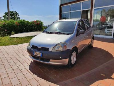 usata Toyota Yaris 1.0 VVT-I 16V cat 5 porte NEOPATENTATI
