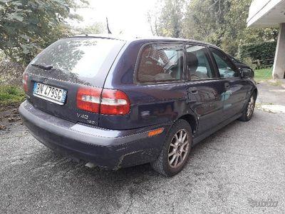 used Volvo V40 - 2000