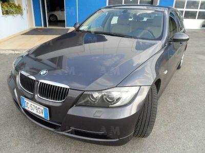 usata BMW 330 XD DPF Touring Aut.
