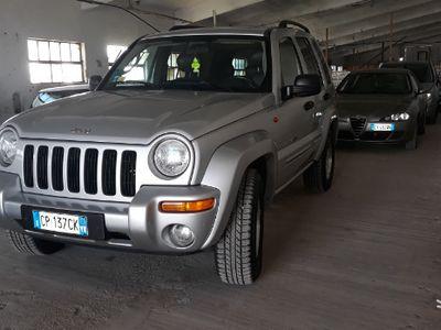usado Jeep Cherokee 2.8 diesel 4x4 100000km automatico