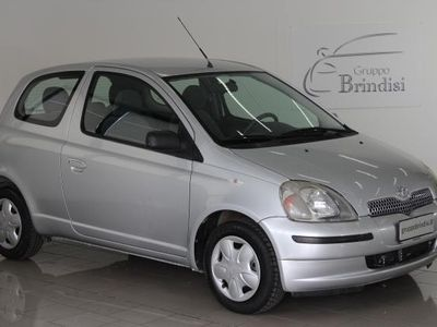 brugt Toyota Yaris 16V 3 porte Sol