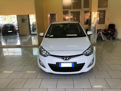 usata Hyundai i20 1.4 CRDI Navi Full Opt EURO5