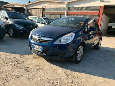 usata Opel Corsa 1.2 adatta a neo patentati