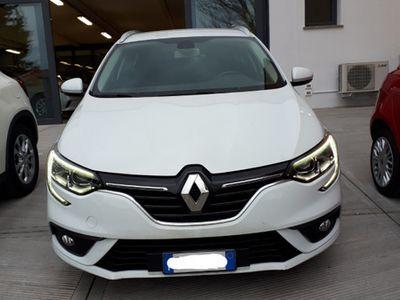 usata Renault Mégane station wagon2018 navi sensori