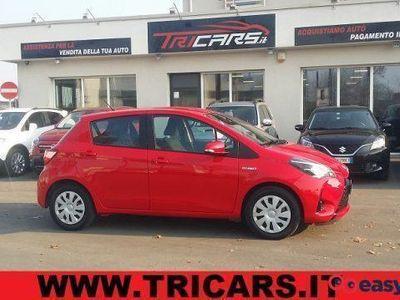usata Toyota Yaris 1.5 hybrid 5 porte active permute iva esposta elettrica/benzina