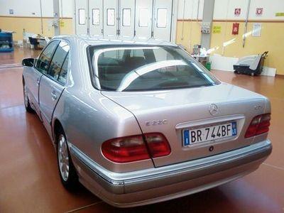 używany Mercedes E220 CDI DIESEL