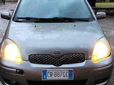 usata Toyota Yaris 1.3i 16V cat 5 porte Sol