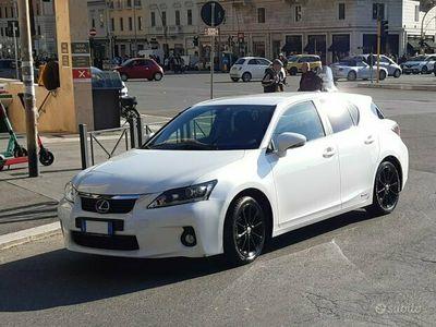 usata Lexus CT200h - 2011