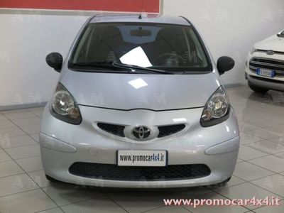 begagnad Toyota Aygo Aygo 1.0 12V VVT-i 3 porte Now1.0 12V VVT-i 3 porte Now
