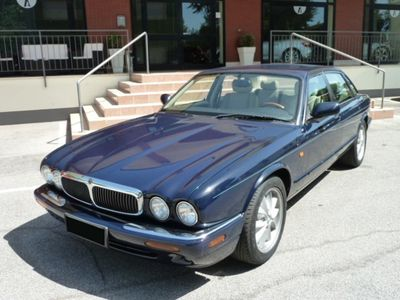 usata Jaguar XJ 4.0 cat Executive Pistoia