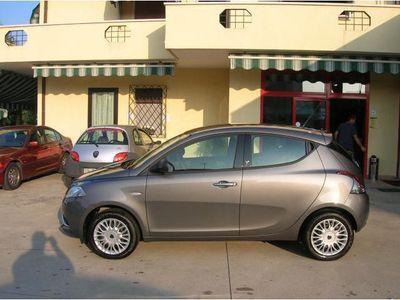 usata Lancia Ypsilon 1.2 69 CV 5p. Silver