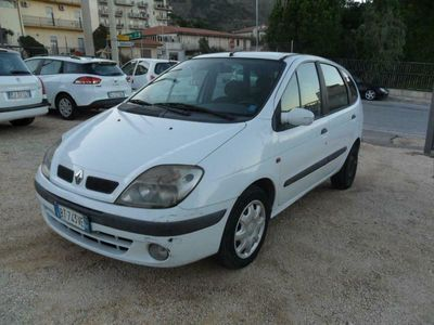 usata Renault Scénic 1.9 DCI 101 CV 5 P. 2001 EUR: 500,00