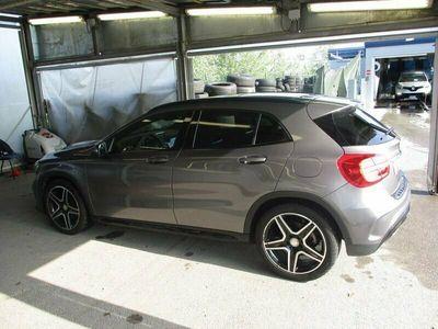 second-hand Mercedes 220 GLA CLASSECDI Automatic 4MATIC Premium