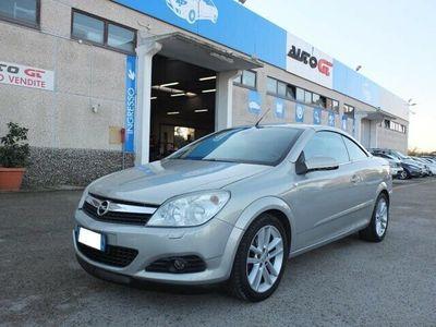 usata Opel Astra Cabriolet TwinTop 1.6 16V VVT Enjoy