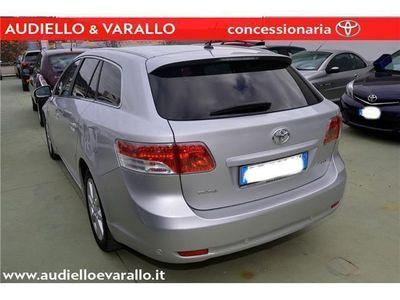 usata Toyota Avensis 2.2 D-4D Wagon Executive + NAVIGATORE