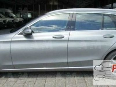 second-hand Mercedes 220 Classe C Station Wagond Exclusive usato