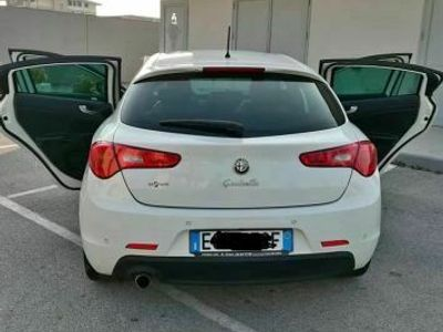 usata Alfa Romeo Giulietta 1.6 diesel 105 cv anno 2011