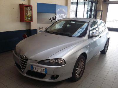 usata Alfa Romeo 147 1.9 JTD 16V Distinctive