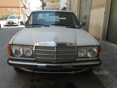 used Mercedes 240 d - 1982 - unico proprietario