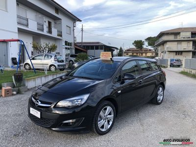 usata Opel Astra 1.7 CDTI 110cv Sports Tourer 74.682 km