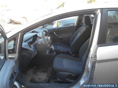 usata Ford Fiesta 1.2 82CV 5 porte Torre del Greco