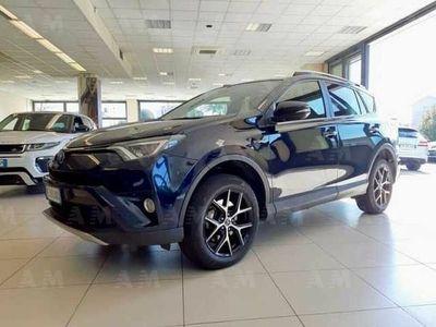 brugt Toyota RAV4 Hybrid 2WD Lounge del 2017 usata a Belluno