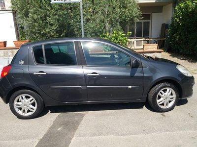 usado Renault Clio 1.2 16V 5 porte Le Iene