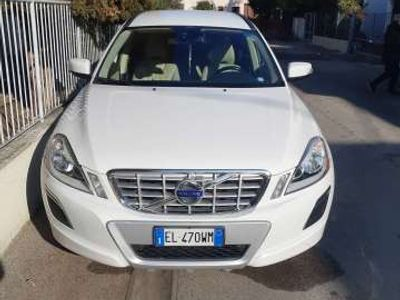 usata Volvo XC60 D3 AWD Geartronic Kinetic