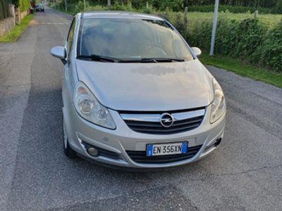 used Opel Corsa 1.3 turbo diesel per neopatentati