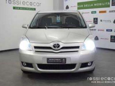 usata Toyota Corolla Verso 2.0 16V D-4D