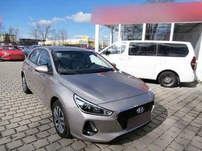 gebraucht Hyundai i30 Trend 1.4 T-gdi Digitalpaket Navigationspaket Navi Rückfahrkam. Fernlichtass. Led-tagfahrlicht