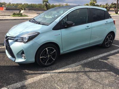 second-hand Toyota Yaris Hybrid Glamour