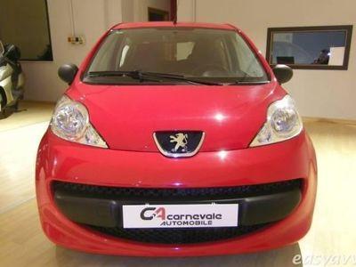 usata Peugeot 107 1.0 68cv 3p. lettore cd neopatentati ok benzina 2/3-porte manuale rosso