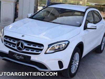 usata Mercedes GLA180 business extra navi led telecamera car play