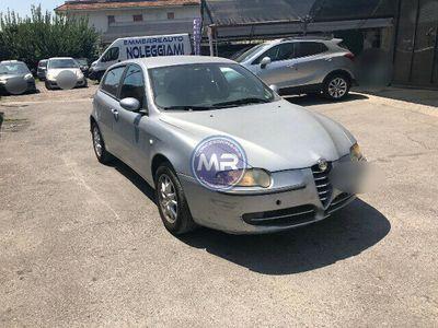 usata Alfa Romeo 147 1.6i 16v T.s. 105cv Gpl 2004 Usato