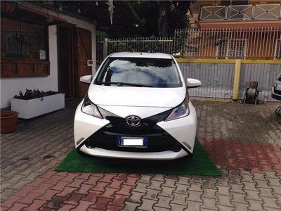 usata Toyota Aygo 1.4 turbodiesel 5 porte Neopatentati