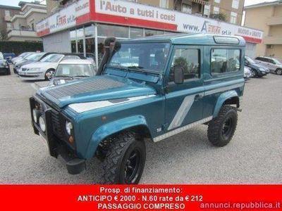 usado Land Rover Defender 90 2.5 Tdi S.W. County -7 POSTI - Gancio di Traino