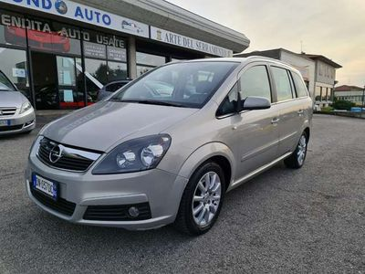 usata Opel Zafira 1.9 CDTI 120CV Enjoy 7 POSTI EURO4 CON FAP
